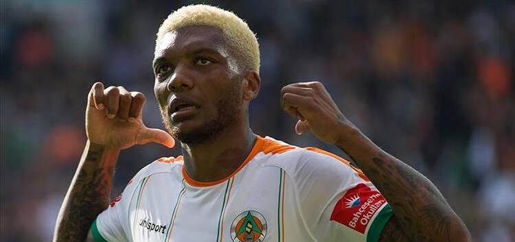 Fernandes transferi için büyük kapışma