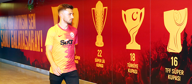 Emre Kılınç resmen Galatasaray'da (Video)