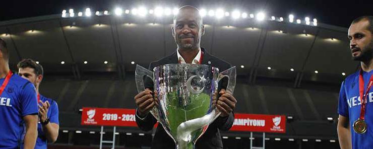 Trabzonspor'da yeni hoca Eddie Newton!
