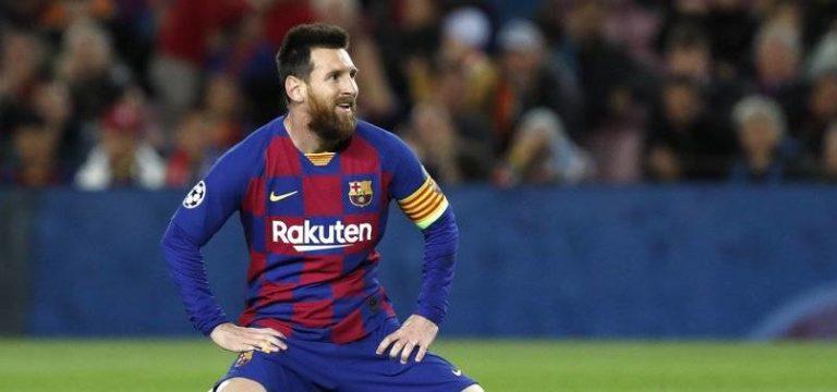 Messi Barcelona'da kaldı