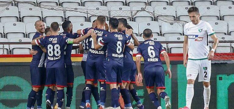 Kapanış maçında kazanan Antalyaspor
