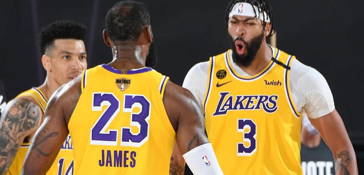 Final serisine Lakers farklı başladı