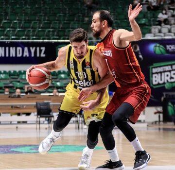 Pota derbisinde gülen Galatasaray NEF
