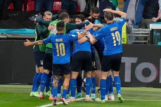 İtalya penaltılarla finalde