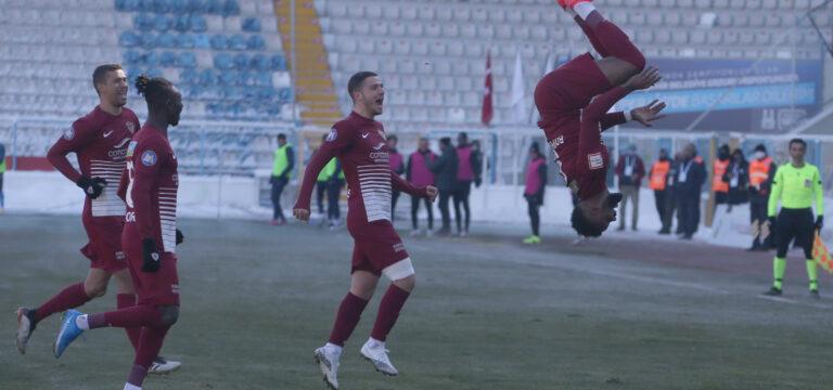 Boupendza Hatayspor'da kaldı