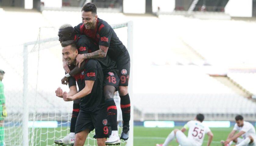 Karagümrük Hatay'ı tek golle geçti