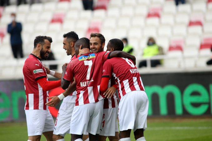Sivasspor'dan gövde gösterisi
