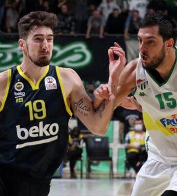 Fenerbahçe Beko Bursa'da kayıp