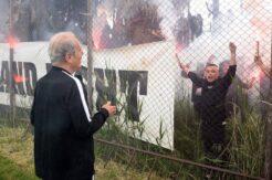 Mustafa Denizli'ye meşaleli karşılama
