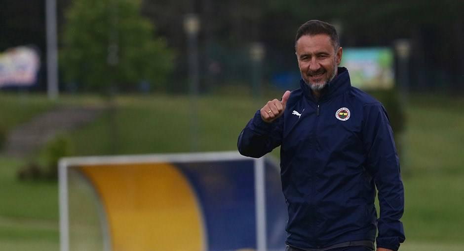Fenerbahçe'de 4 ismin bileti kesildi